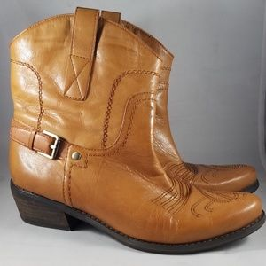 Franco Sarto Women's Waco Short Western Boot-6M